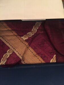 Guess Scarf Luxury 72% viscose 28% polyester Made in Italy New In Box RRP£99