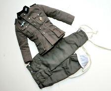 1/6 SCALE DRAGON GERMAN WWII - UNIFORM W/ BADGE WH AND MEDALL. WINTER PANTS