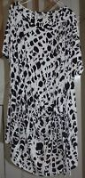 Fabulous black/white tiger print long line top with side tie, size 26