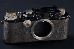 Leica III Mod. F   black/nickel  in near mint  M39 screw mount CE10338