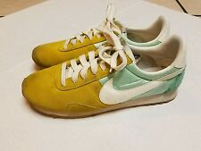 J.CREW NIKE VINTAGE COLLECTION PRE MONTREAL RACER SNEAKERS MINT GOLD WOMENS 8.5