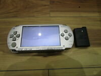 Sony PSP 1000 Console Silver w/battery pack Japan m757