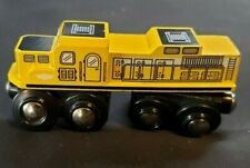 Maxim Enterprises Toy Train 38551 Yellow Magnetic 4 Inches Long Wooden Engine