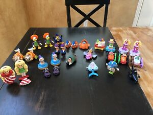 Lot Of 28 vintage mcdonalds Subway Burger King Warner Muppets Batman Disney Toy
