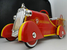 A 1930 Ford Vintage Fire Engine Pedal Car Truck 24 Midget Metal Model Antique T
