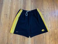Iowa Hawkeyes Vintage 90's Nike Mens Basketball Shorts Size L EUC Rare