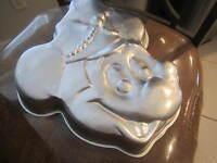 Wilton Cake Pan Vintage Disney MICKEY MOUSE 515-302