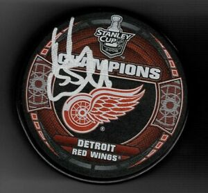 Niklas Kronwall Signed Detroit Red Wings 2008 Stanley Cup Champions Puck