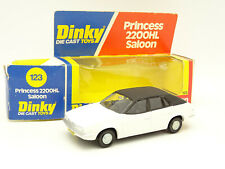 Dinky Toys GB 1/36 - PRINCESS 2200 HL SALOON Blanche 123