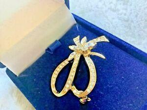 Crystal flower brooch.  Boxed Gift   (mmc)