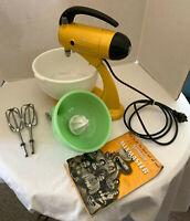 Vintage Sunbeam Mixmaster Model 5 1940s w Cookbook Jadeite Juicer Bowl Beaters
