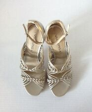 """Via Spiga"" Pretty heels In Soft Gold Leather, Size 6M"