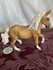 Breyer Model Horses Collecta Palomino Paso Fino Mare