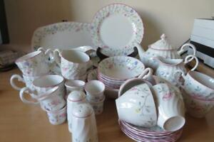 JOHNSON BROTHERS *Summer Chintz* TABLE & TEA WARES MULTI-LISTING