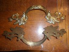 1 poignée de meuble de style Louis XV en laiton,bronze, pour tiroirs, etc..