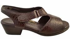 SAS Suntimer Brown Croc Patent Sandals 9.5 WW