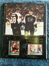 Flyers Eric Landros and John LeClair card and picture plaque