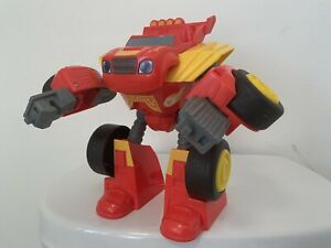 TRANSFORMING ROBOT RIDER BLAZE FPJ40: Blaze and the Monster Machines. (A)