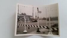 Foto 132K6518 Berlin Potsdam Str. Absperrungen ca.1960er ca.8x11cm