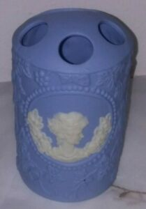 CAMEO Porcelain Blue & White Toothbrush/Toothpaste Holder Three Toothbrush Holes