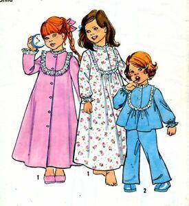 Uncut Sewing Pattern Toddler Girls Nightie Pajamas Dressing Gown Size 2. 1978