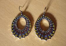 Grote ovale oorbellen met vele rood blauw gele strass-steentjes  NIEUW