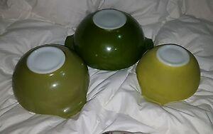 SET OF THREE NESTING PYREX CINDERELLA BOWLS IN GREEN SHADES ~ VERDE 444 443 442