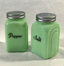 "JADEITE SALT & PEPPER SHAKER SET Green Glass DEPRESSION STYLE Retro 3 3/4""H JADE"
