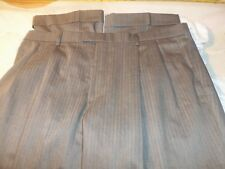 dockers 38 x 34 pleated cuffed 54% polyester 44% wool 2% spandex #445