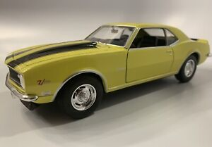 1968 Chevy Camaro Z/28 Yellow Welly 22448 Z28 1/24 Scale Diecast See Description