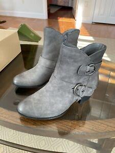 Earth Boots, Dark Grey Vintage. 8.5