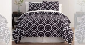 King size Black and White Quilted Bedding Set 3pc
