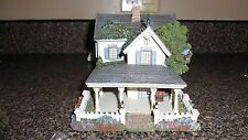"""Thomas Kinkade's By Hawthorne Village """"Home Is Where The Heart Is"""" 2002 Retired"""