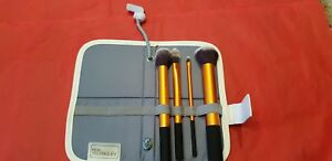 Real techniques 4 brush set in carry case💖💓