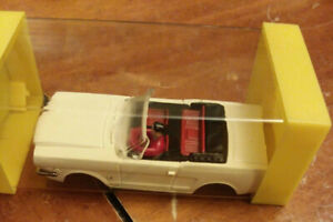AURORA T-JET '64-1/2 FORD MUSTANG CONVERTIBLE WHITE BODY IN BOX NO. #1371