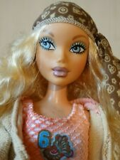 Barbie My Scene Kennedy Hanging Out