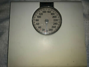 Health O Meter Bathroom Metric Scale Used Good Condition 100% Functional