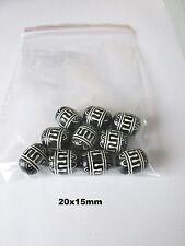 10pcs 20x15mm CILINDRO acrilico nero con linee bianche gioielli UK