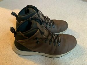 Columbia SH/FT WP Hiker hiking walking boots in brown - size 8.5 - boxed
