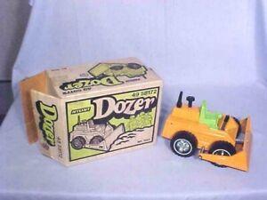 Vintage ORIGINAL NYLINT DOZER No. 2085 NOS BOXED 1970s SEARS STORE No. 49 58172