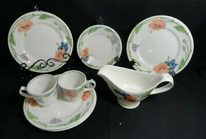 Villeroy & Boch 8 pieces Amapola Cup- Saucer - Gravy & Salad Dishes Germany