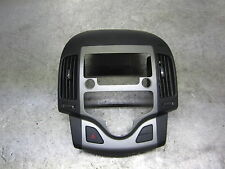 Hyundai i30 I FDH Radio Panel Bezel Cover Center Console Radio 84745 2r000