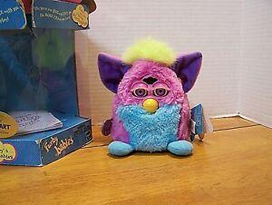 Furby 2000 Tiger Electronics Pink Blue & Green  #70-951 Purple Eyes RARE