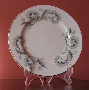 Vintage Royal Standard GARLAND Side / Tea Plates