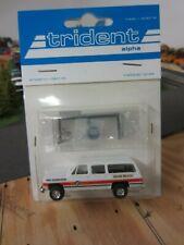 Ho 1/87 Trident Chevrolet Suburban EMS w/River Point Station Light Bar