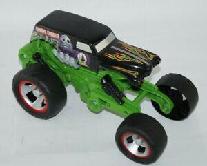 Hot Wheels Monster Jam Grave Digger Truck Mega Air Jumper 30th Anniversary