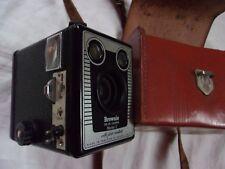 Appareil photo ancien Box Kodak SIX-20 Brownie E with flash contacts