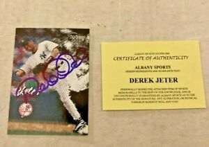 1998 Skybox Dugout Access Derek Jeter Hand Signed Autograph With COA Rare Auto
