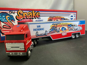 Ertl Don Prudhomme NHRA The Snake COE Tractor Truck With Trailer 1/64 Diecast