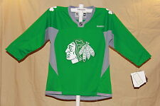 CHICAGO BLACKHAWKS Reebok NHL sewn logo SHAMROCK JERSEY Youth Large/XL NWT green